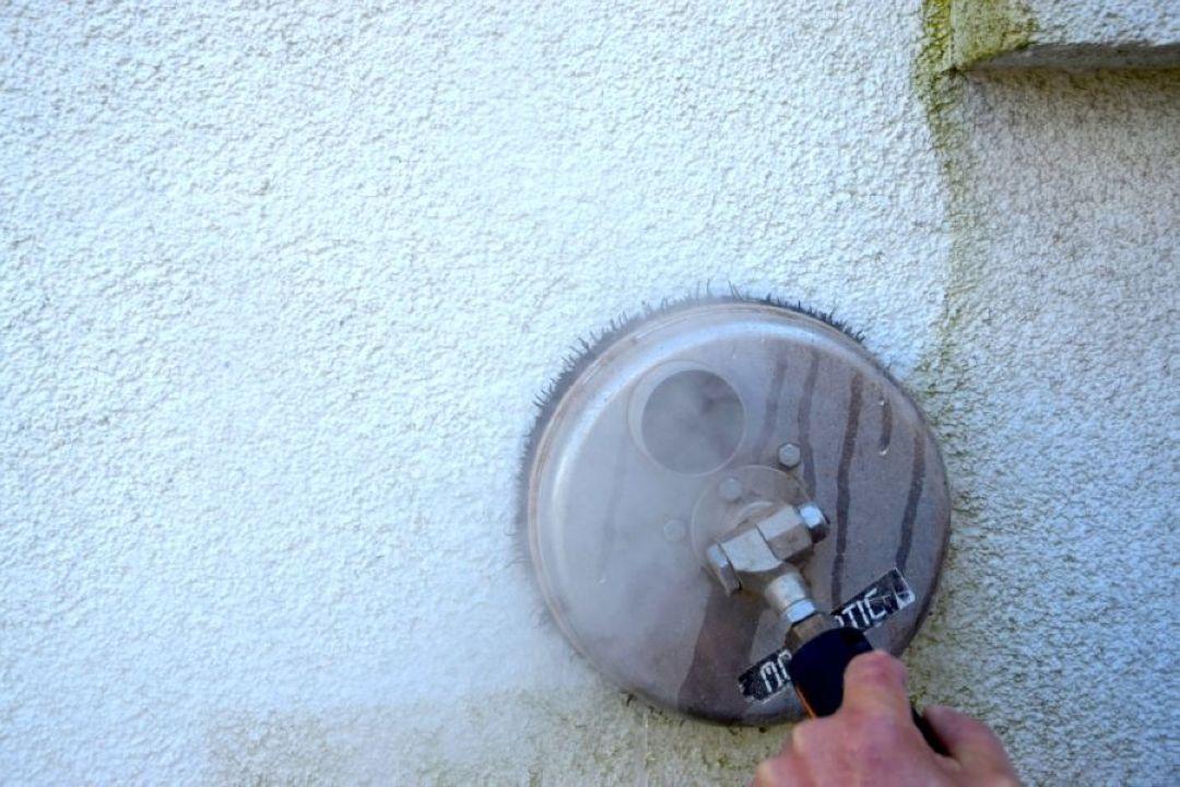 Mytí zateplených fasád